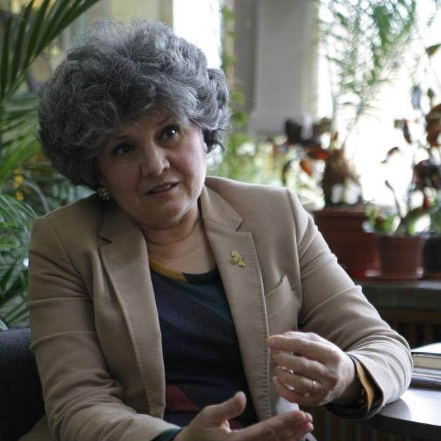 Dr. Christina Mateescu, PhD