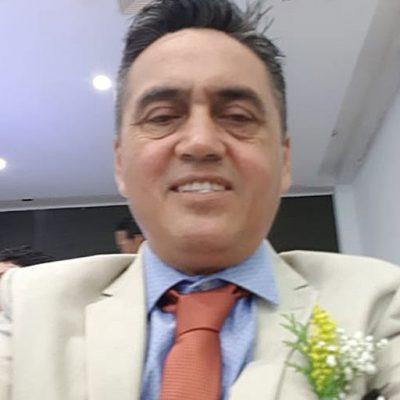 Dr. Gustavo Medina