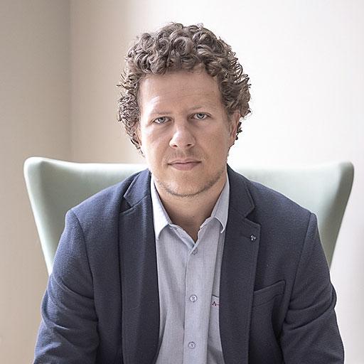 Dr. Mikhael Marques